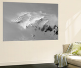 Clouds Wrapped Summit of Mount Rainier, Mt Rainier National Park, Washington, USA Plakater af Paul Souders