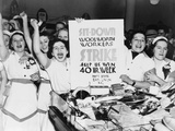 Striking Employees of NYC Woolworth's Demand a 40 Hour Work Week, 1937 Foto