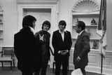 Richard Nixon Meeting Elvis Presley and His Two Friends Jerry West and Sonny Baker. Dec. 21 1970 Photographie