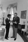 Sammy Davis Jr. with Richard Nixon in the Oval Office. March 4 1973 Photographie