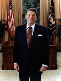 Official Portrait of President Reagan in the Oval Office. June 3 1985. Po-Usp-Reagan_Na-12-0061M Foto