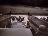 American Soldiers Wade from Landing Craft to the Omaha Beach, D-Day, June 6, 1944 Fotografía