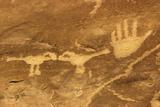 Anasazi/Ancient Puebloan Petroglyphs of the Parrot Clan Symbol, Mesa Verde National Park, Colorado Lámina fotográfica