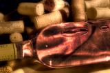 Wine Bottle and Corks Impressão fotográfica por C. McNemar