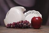 Pitcher with Fruit II Impressão fotográfica por C. McNemar
