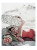 Vogue - July 1954 Premium fotografisk trykk av Karen Radkai