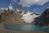 The Cerro Fitz Roy Massif, with Cerro Pointcenot and Fitz Roy Peaks, Emerges From Clouds Reproduction photographique par Beth Wald