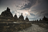 Borobudur Temple, a World Heritage Site in Central Java Impressão fotográfica por Alex Saberi