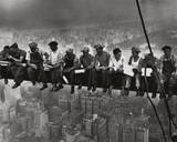 Lunchtime Atop a Skyscraper NYC Affiche par Charles C. Ebbets