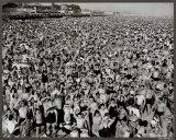 Coney Island,1945 Affiche par Arthur (Weegee) Fellig