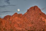 A  Mountain Range at Sunset in Tucson, Arizona Fotografisk tryk af John Burcham