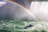 The Maid of the Mist Tourist Boat Under a Double Rainbow at Niagara Falls Fotografisk tryk af Charles Kogod