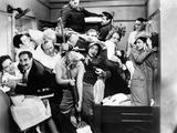 "Harpo Marx, the Marx Brothers, Chico Marx, Groucho Marx. ""A Night At the Opera"".1935, by Sam Wood Fotografisk trykk"