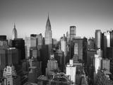 Chrysler Building und die Skyline von Midtown Manhattan, New York City, USA Metalldrucke von Jon Arnold