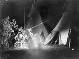 Dancing in the Firelight, 1907 Fotografisk trykk av Richard Throssel