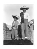 Campesino and Son, State of Veracruz, Mexico, 1927 Fotografie-Druck von Tina Modotti