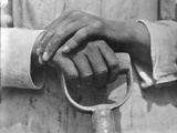 Hands of a Construction Worker, Mexico, 1926 Reproduction photographique par Tina Modotti