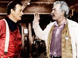 THE SEARCHERS, from left: John Wayne, Ward Bond, 1956 写真