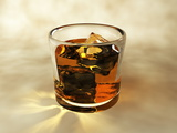 Glass of Whiskey, Computer Artwork Reproduction photographique par Christian Darkin