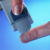 Blood Glucose Testing Fotografie-Druck von Steve Horrell
