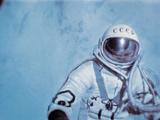 Alexei Leonov, First Space Walk, 1965 Reproduction photographique par Ria Novosti