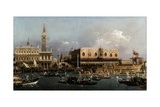 The Bucintoro at the Molo on Ascension Day Impressão giclée por  Canaletto
