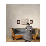 Ida Hammershoi Sitting on a Sofa Giclée-tryk af Vilhelm Hammershoi