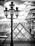 View of the Pyramid and the Louvre Museum Building, Paris, France, Europe Reproduction photographique par Philippe Hugonnard