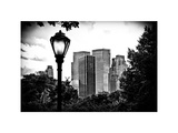 Floor Lamp in Central Park Overlooking Buildings, Manhattan, New York, White Frame Impressão fotográfica por Philippe Hugonnard
