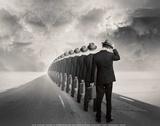 Get in Line Affiches par Tommy Ingberg