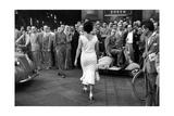 The Italians Turn, Milan 1954 Premium fotografisk trykk av Mario de Biasi