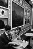 Giulio Bosetti and Lydia Alfonsi at the Antico Caffè Greco in Rome Fotografie-Druck