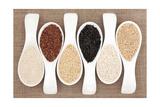 Rice Grain Selection In White Porcelain Scoops Over Hessian Background Juliste tekijänä  marilyna