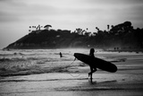 Female Surfer Heading Out Fotografie-Druck von Simeon Rodgers