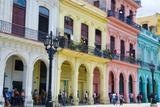 Pastel Buildings Near City Center, Havana, Cuba Reproduction photographique par Bill Bachmann