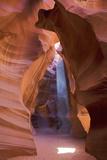 Antelope Canyon, Navajo Tribal Park, Arizona, USA Impressão fotográfica por Charles Gurche