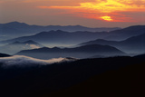 Sunset over the Great Smoky Mountains National Park, Tennessee, USA Fotografisk tryk af Jerry Ginsberg