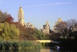 The Lake in Central Park, Manhattan, New York, USA Impressão fotográfica por Peter Bennett