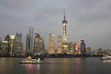 Sightseeing Dinner Boat on River, Shanghai, China Fotografisk tryk af Cindy Miller Hopkins