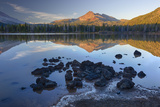Sparks Lake with Broken Top, Deschutes National Forest Oregon, USA Reproduction photographique par Jamie & Judy Wild