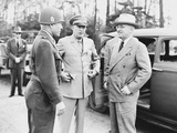 World War II Photo of President Harry Truman Talking to General Eisenhower and Hickey Fotografisk tryk