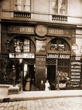 Passage du Perron Palais Royal Stampa fotografica di Eugène Atget