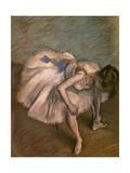 Seated Dancer, Ca. 1881-1883 Impressão giclée por Edgar Degas