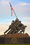 The Marine Corps War Memorial, also Called the Iwo Jima Memorial Fotografisk trykk av Vickie Lewis