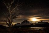 Dawn over Torres Del Paine National Park Fotografisk tryk af Mattias Klum