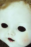 Close Up of White Face of 1950S Doll Fotografisk trykk av Den Reader