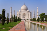 India, Uttar Pradesh, the Taj Mahal, This Mughal Mausoleum Has Become the Tourist Emblem of India Lámina fotográfica por Gavin Hellier