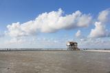 Stilt Houses on a Beach Reproduction photographique par Markus Lange
