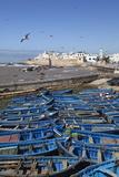 View over the Fishing Harbour to the Ramparts and Medina Lámina fotográfica por Stuart Black