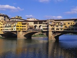 Ponte Vecchio over the River Arno, Florence, Italy Impressão fotográfica por Hans Peter Merten
